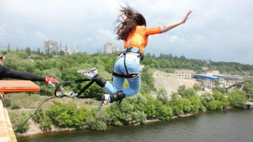 прыгать с высоты