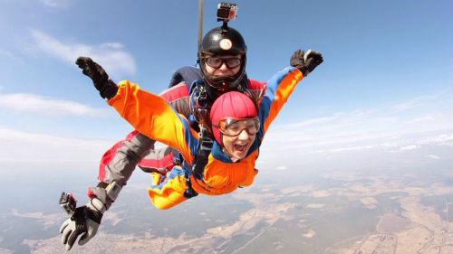 прыгать с парашютом во сне