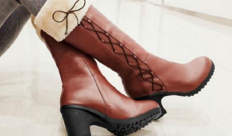 Искать обувь босиком и найти ее означает возможность избежать одиночества.