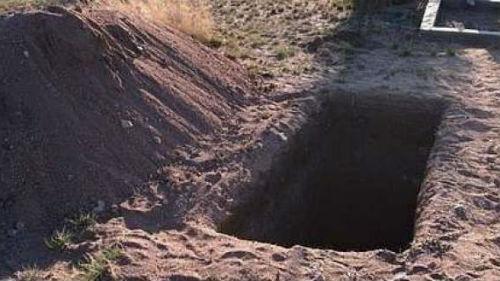 приснилось копать могилу