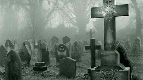 сонник к чему снится чужая могила