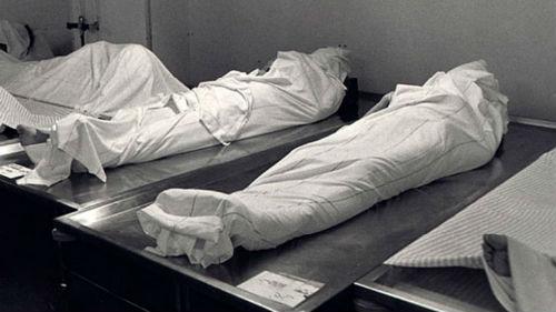 во сне знакомят с покойниками