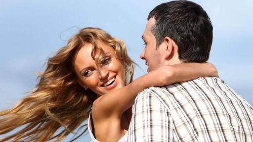 обнимать за талию во сне с мужчиной знакомым