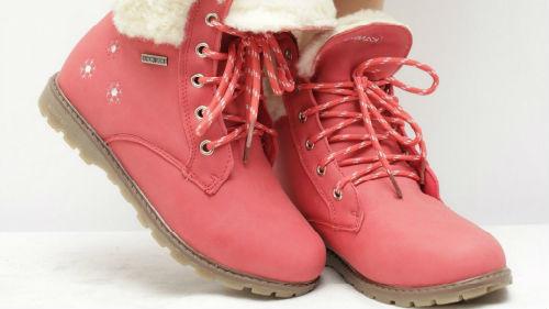 новые розовые ботинки обула