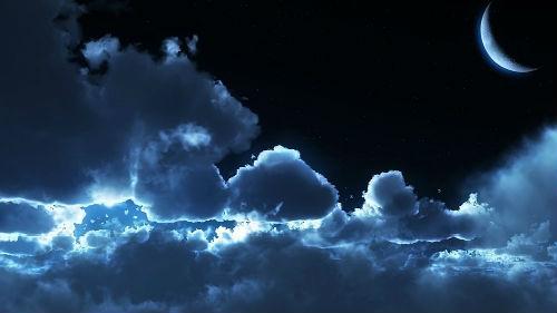 ночные облака луна
