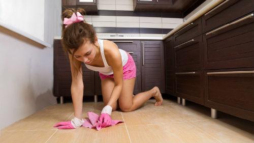 К чему снится мыть полы в доме на работе руками что это значит сонник