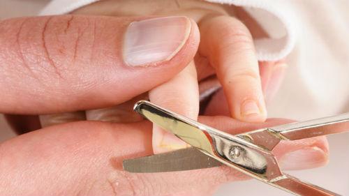 подстригать ногти ребенку