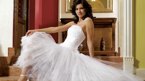 Одевать свадебное  во сне к чему это снится