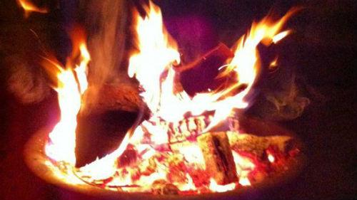 горящее пламя