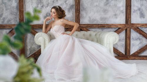 К Че У Снится Одевать Новое,но Чужое Красивое Платье