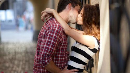 во сне познакомился с девушкой и целовался