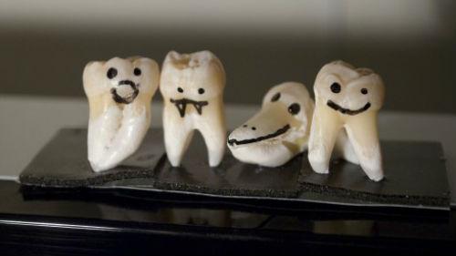 крошатся зубы без крови