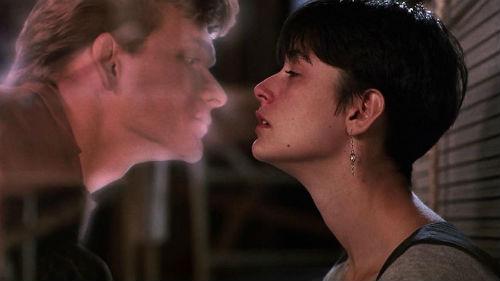 целоваться с покойником