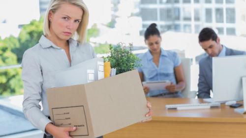 к чему снится увольнение с работы женщине