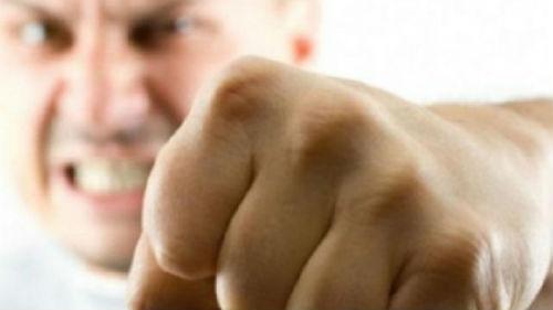 к чему снится агрессия родственника