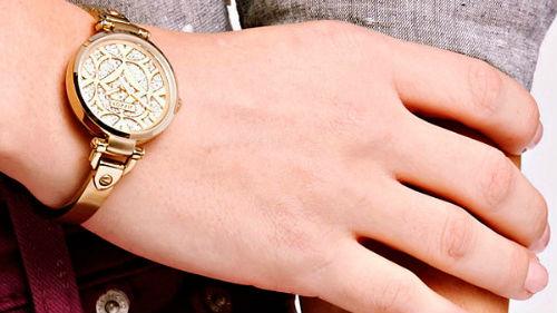 Одевать во сне наручные часы купить телефон часы работы