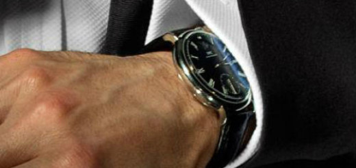 часы на руке мужчины во сне