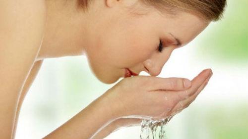 к чему снится умывать лицо чистой водой