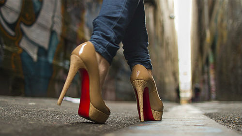 хожу по улице на каблуках