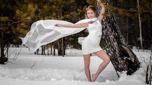 к чему снится ходит босиком по снегу