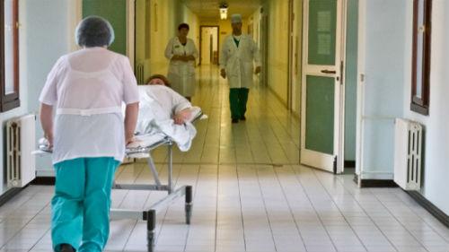 к чему снится что умер родственник в больнице