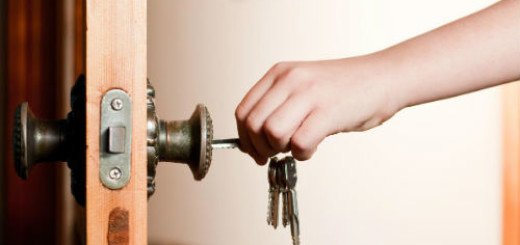 открывать дверь ключом во сне