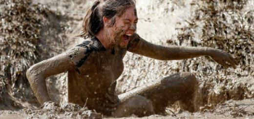 к чему снится упасть в грязь