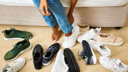 приснилось мерить мужские кроссовки девушке