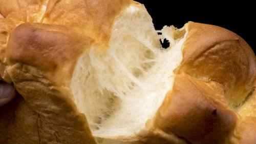 теплый хлебный мякиш