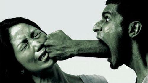 сонник бить знакомого мужчину