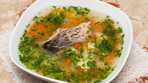 кушать рыбный суп