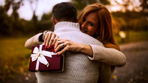 Сонник Дарить подарки умершему. К чему снится Дарить подарки умершему