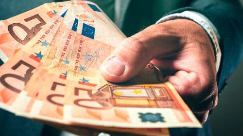 брать валюту