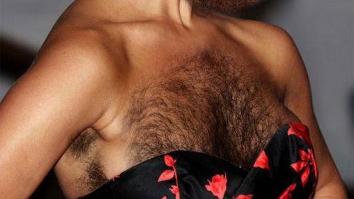 Волосатая грудь девушка