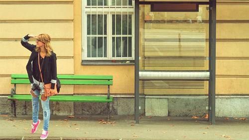 к чему снится ждать автобус