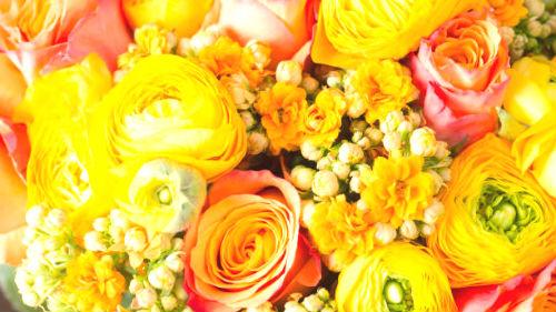 букетик желто-розовых роз