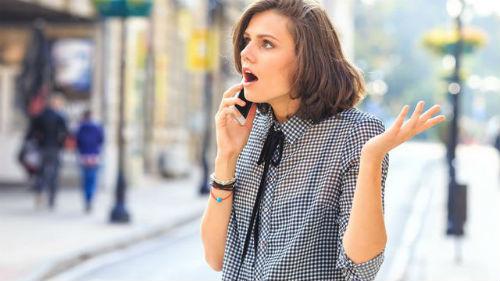 скандалили с другом по телефону