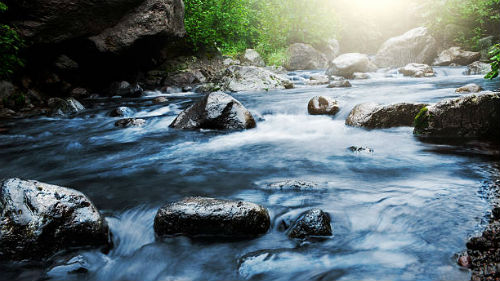 видеть горную реку
