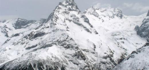 горы в снегу во сне