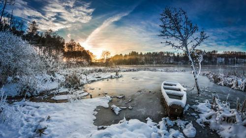 замерзшая река во сне