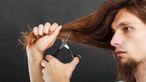 обрезать самому себе волосы