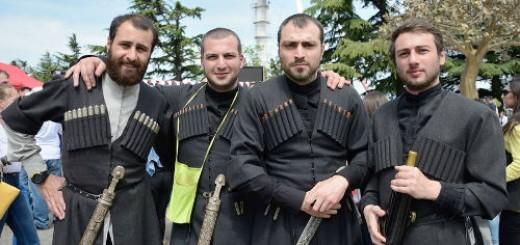 кавказцы во сне