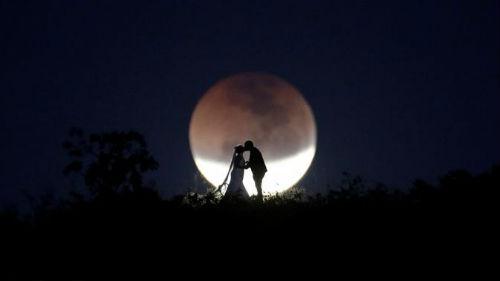 к чему снится лунное затмение
