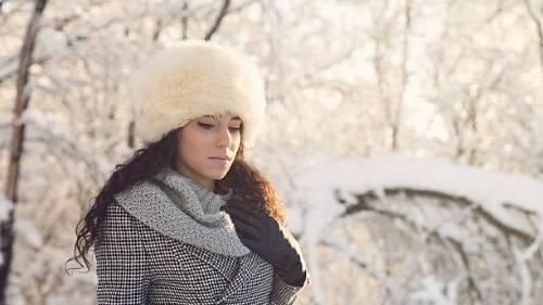 к чему снится меховая шапка зимой